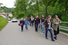 4_Fussmarsch-in-Richtung-Seilbahn